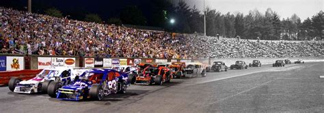 Bowman Gray Stadium Racing – The Venue of Discovery's Race